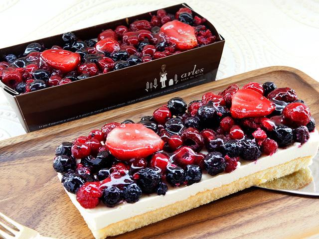 5種のベリー贅沢レアチーズケーキ